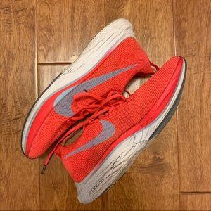 Nike Vaporfly 4% - Men 8 / Women 9.5